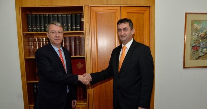 Predaja kopije akreditiva Državnom sekretaru Rumunije g. George Ciamba.